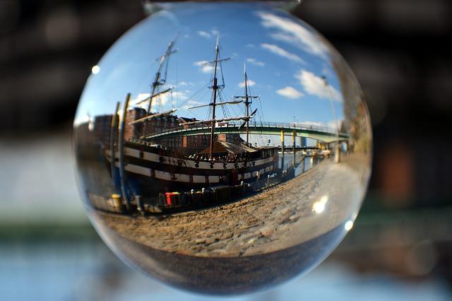 glass-ball-1277811_640